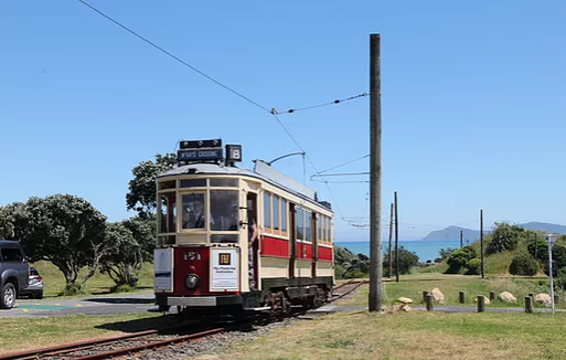 image of an old wellington tram